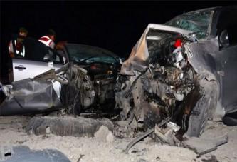 Askerlerin olduğu araç karşı yönden gelen araçla çarpıştı: 3 ölü, 4 yaralı!