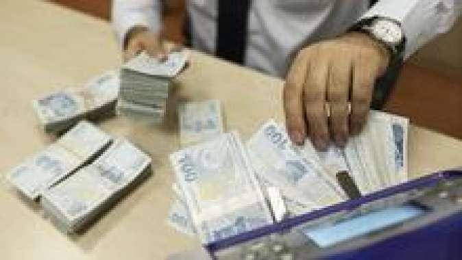 Karar bekleniyor: Memura 2 bin 481, emekliye 4 bin 127 lira!