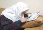 65 Yaşında Büyüteçle Kur'an Öğrendi