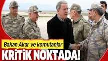 Bakan Akar ve komutanlar Suriye sırının sıfır noktasında