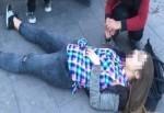 Bonzai içen kızlar kent meydanında bayıldı