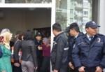 Ermenek'teki tapu dağıtımında bakanlara tepki