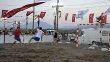 Köyceğiz'de plaj hentbolu nefes kesti