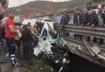 TEM'de TIR ile minibüs çarpıştı. Ölü ve yaralılar var