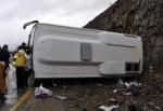 Yolcu otobüsü kaza yaptı: 20 yaralı